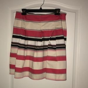 New York & Co Size 6 Pleated Skirt